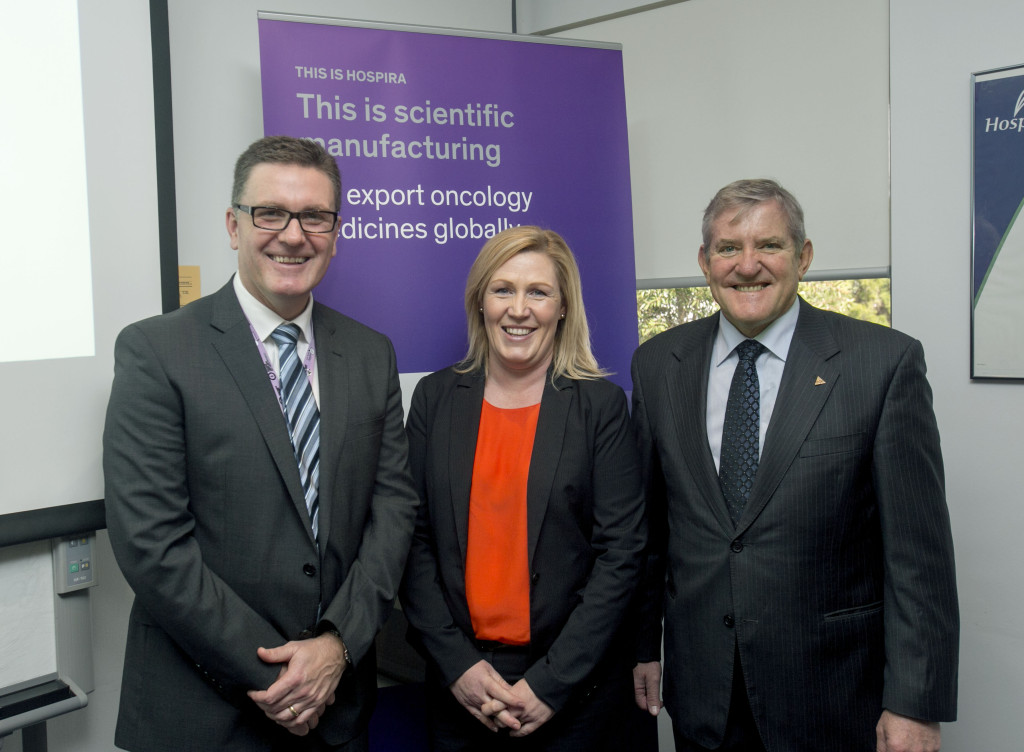 Left to Right, Andrew Hodder,Hospira Belinda Wood,GMiA and the Hon Ian Macfarlane.